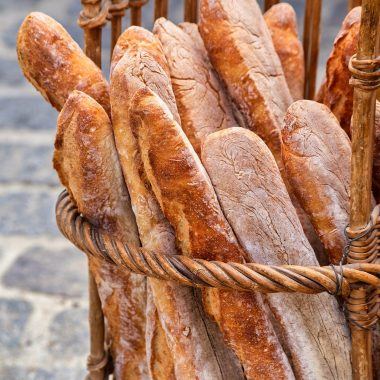 Baguettes made with alpha-amylases